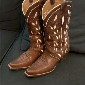 Women's ariat boots. Used